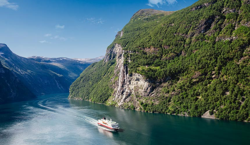 Norsk eventyr med Hurtigruten