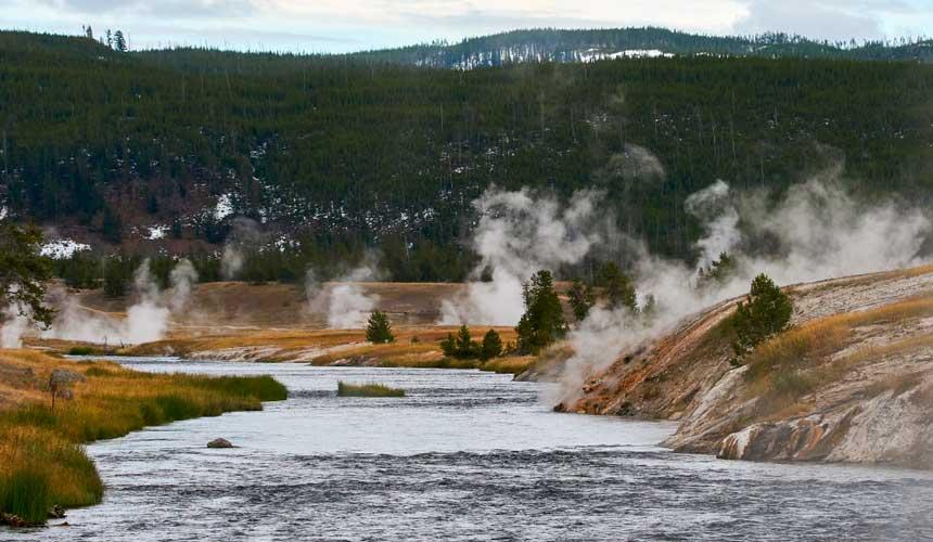Varm kilde i Yellowstone